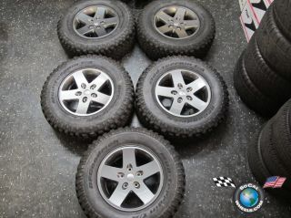 Jeep Wrangler Rubicon Factory 17 Wheels Tires OEM Rims 9074 BFG Mud