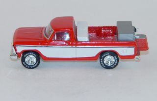 Hot Wheels 1979 Ford F 150 Pickup w/ Toolbox and Dog Crate 164 Scale