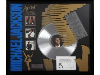 MICHAEL JACKSON  OFFICIAL HAND SIGNED CARD   ARTIST OF THE DECADE