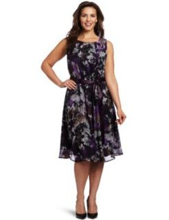 Jessica Howard Womens Plus Size Belted Pintuck Dress