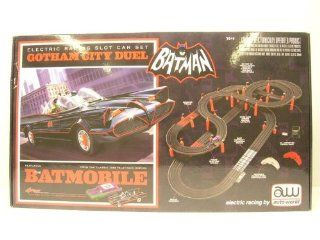 Batman Batmobile Gotham City Duel Slot Car Racing Set